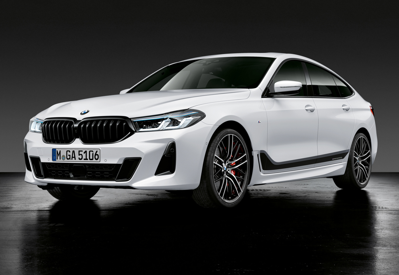 SMALL_P90388605_highRes_the-new-bmw-6-series