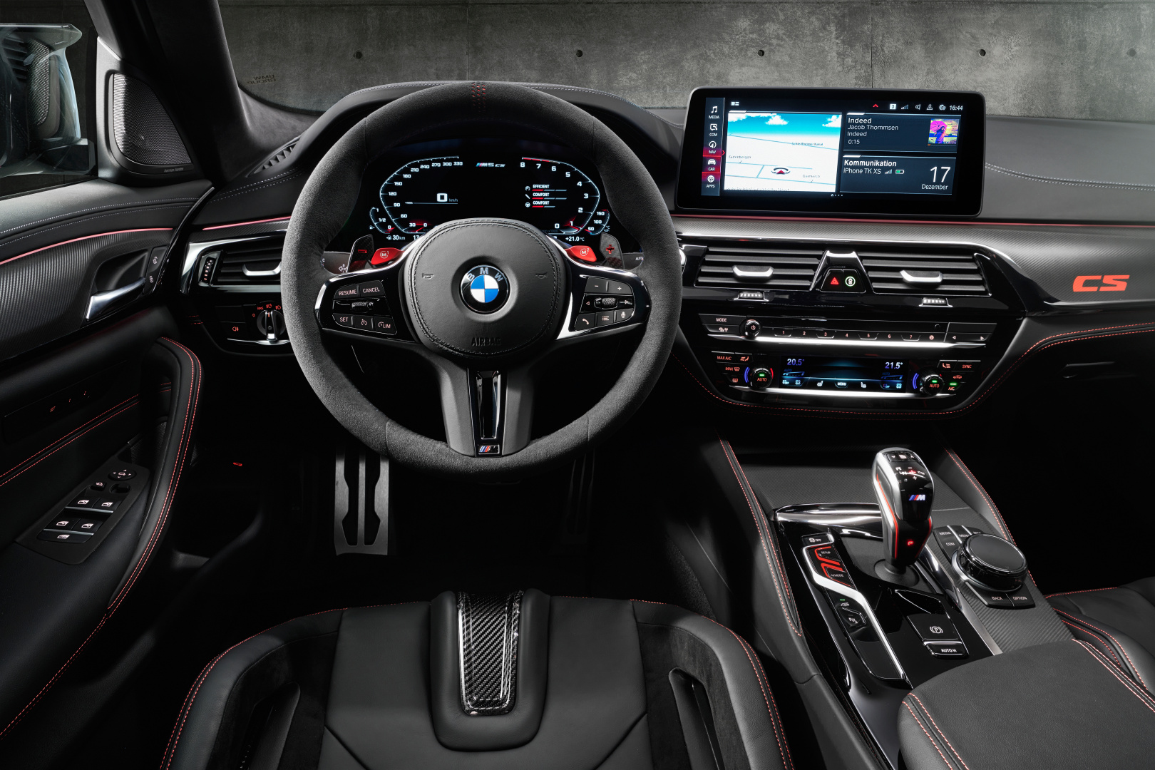 SMALL_P90411365_highRes_the-new-bmw-m5-cs-st
