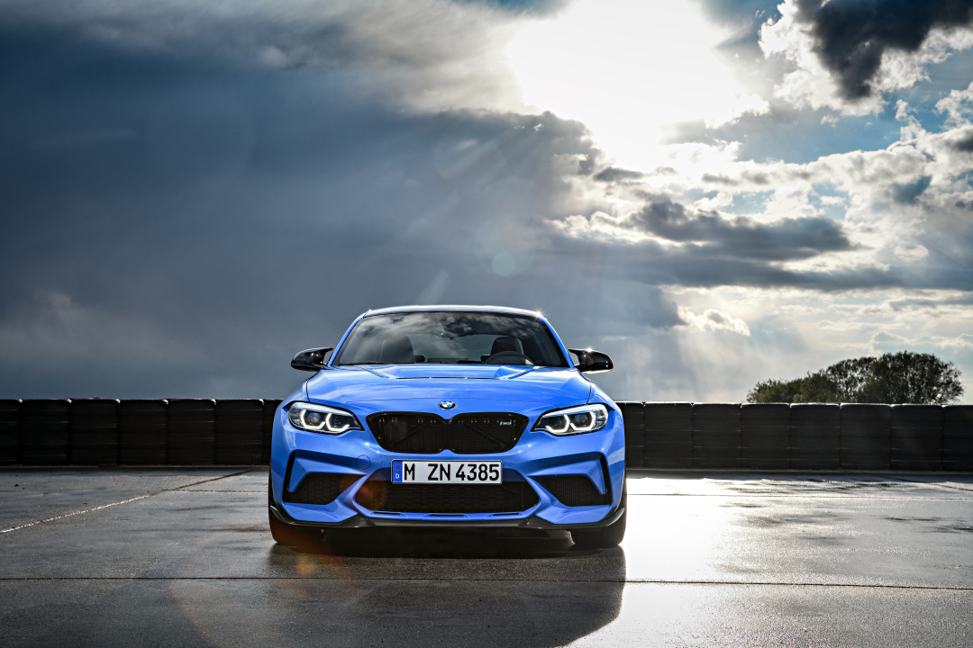 SMALL_P90374180_highRes_the-all-new-bmw-m2-c