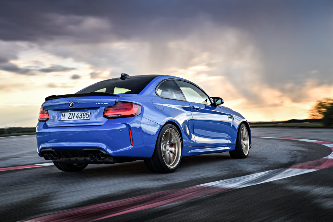 SMALL_P90374210_highRes_the-all-new-bmw-m2-c