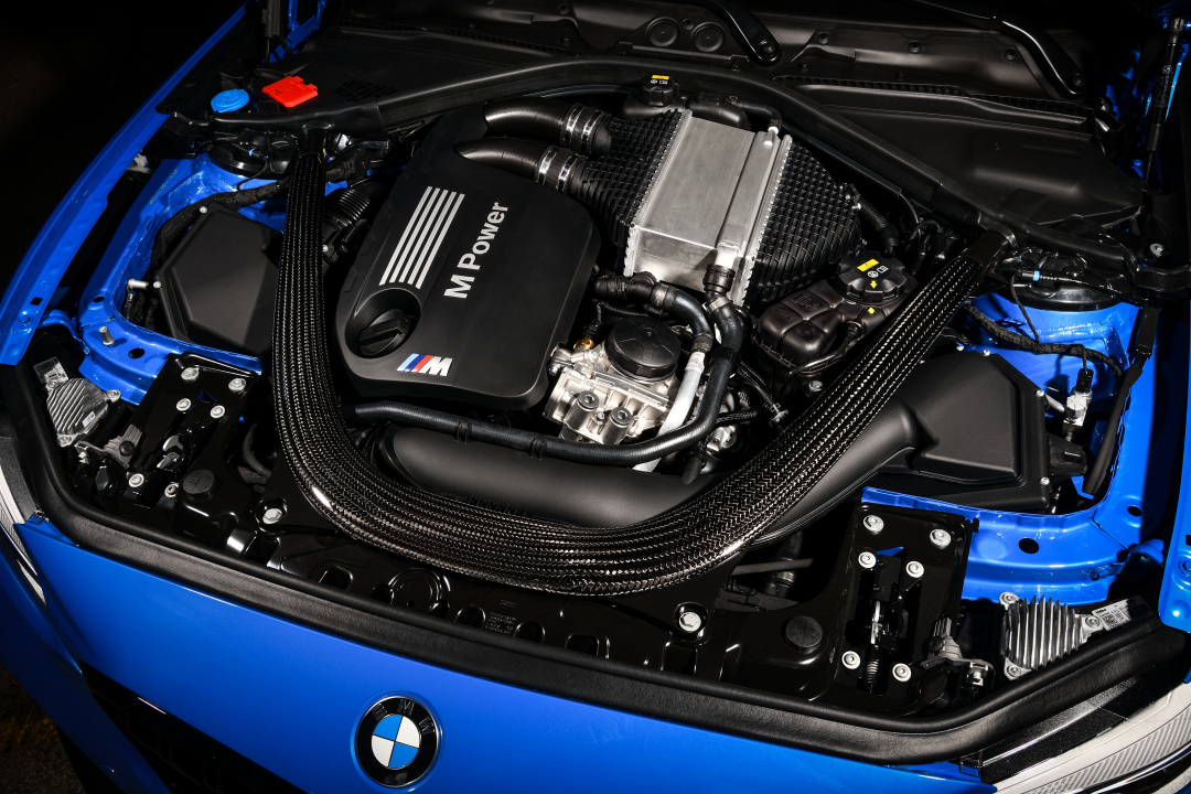 SMALL_P90374247_highRes_the-all-new-bmw-m2-c