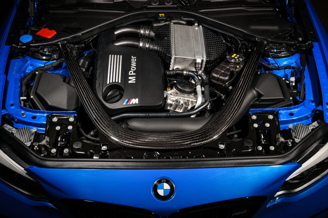 SMALL_P90374249_highRes_the-all-new-bmw-m2-c