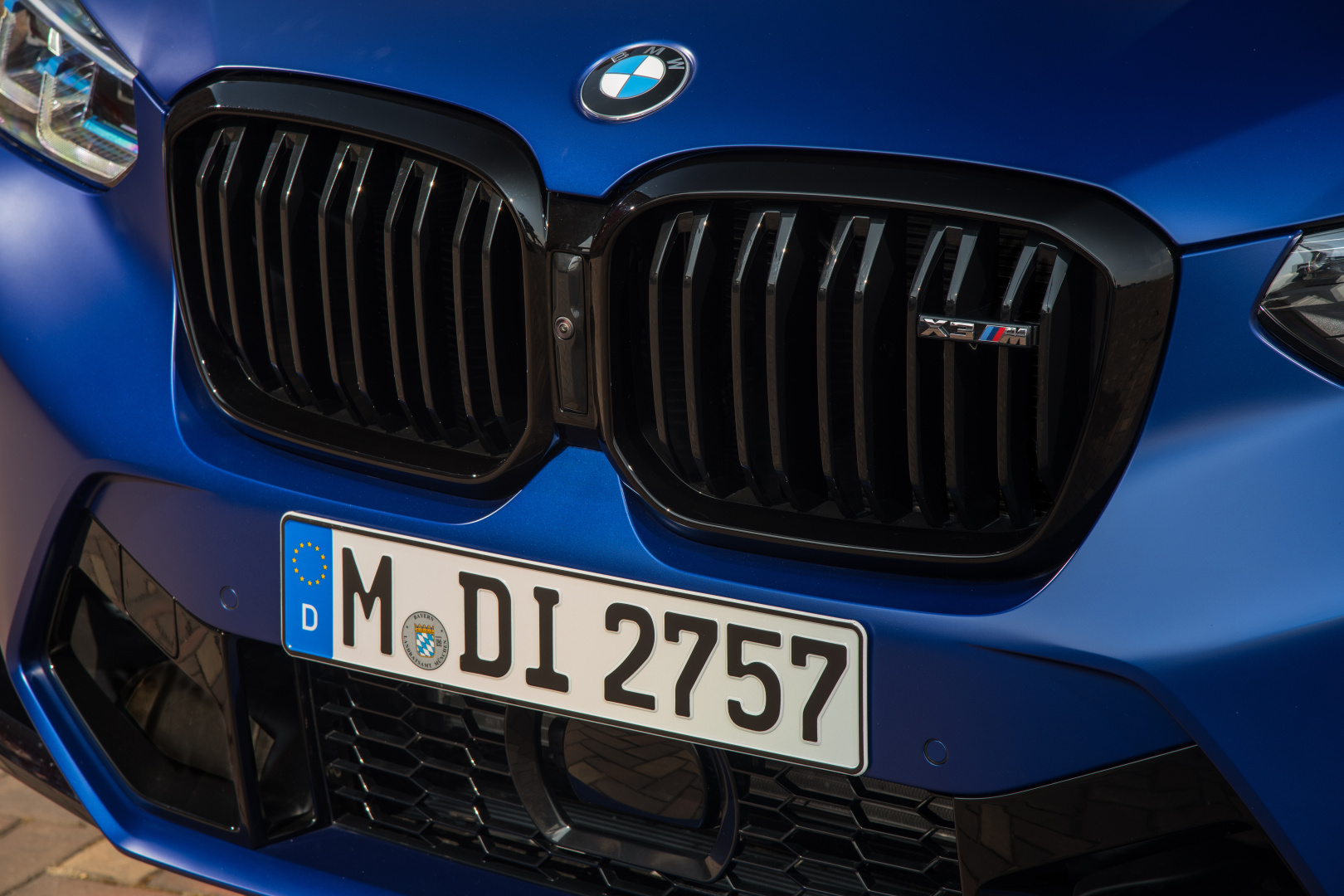 SMALL_P90423913_highRes_the-new-bmw-x3-m-com