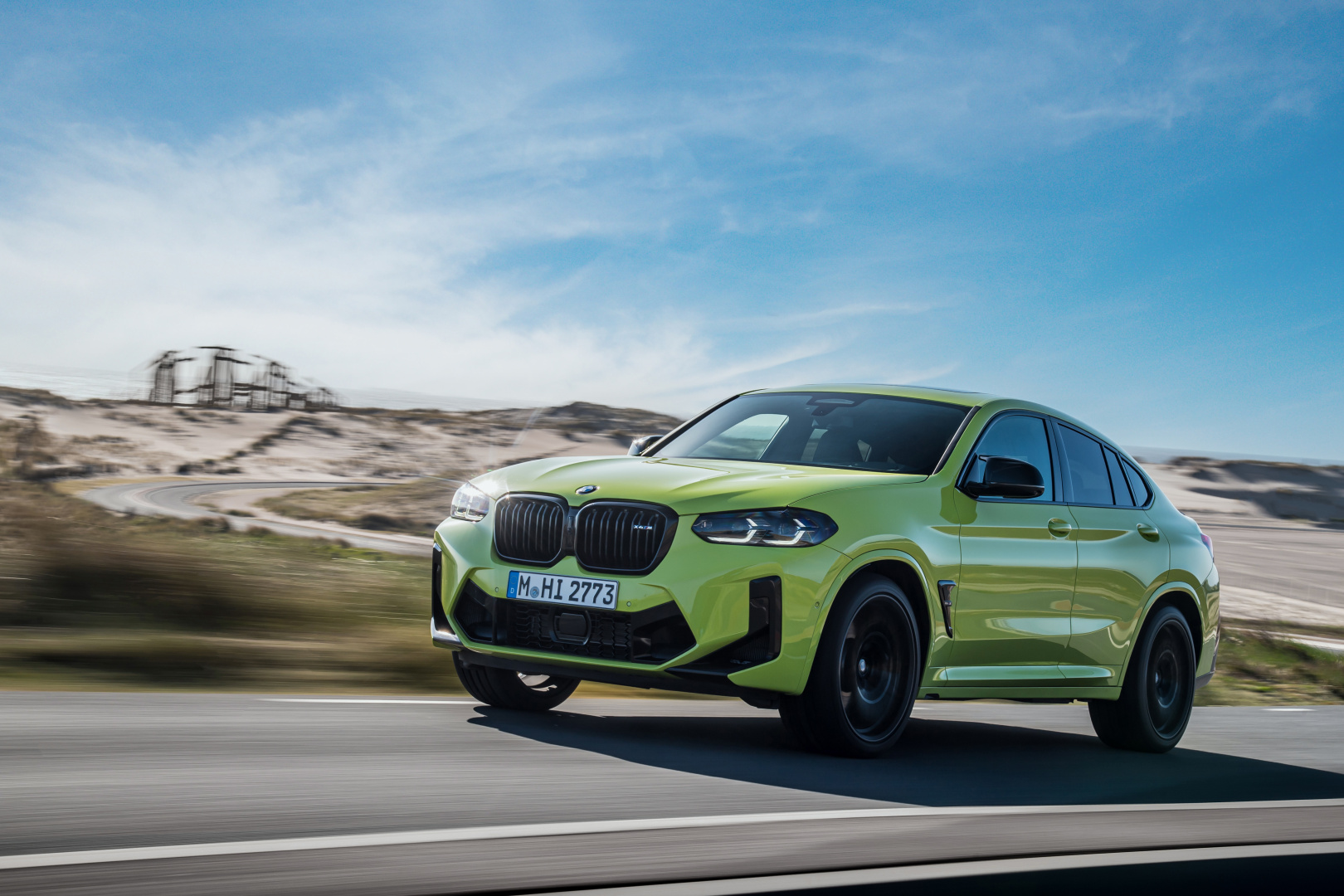 SMALL_P90423952_highRes_the-new-bmw-x4-m-com