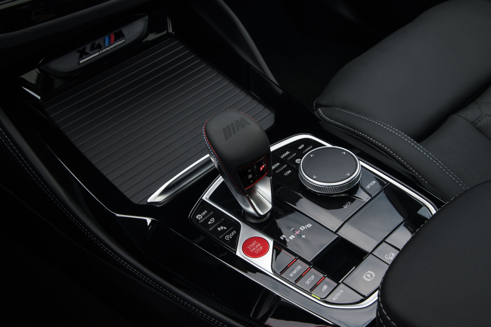 SMALL_P90423973_highRes_the-new-bmw-x4-m-com