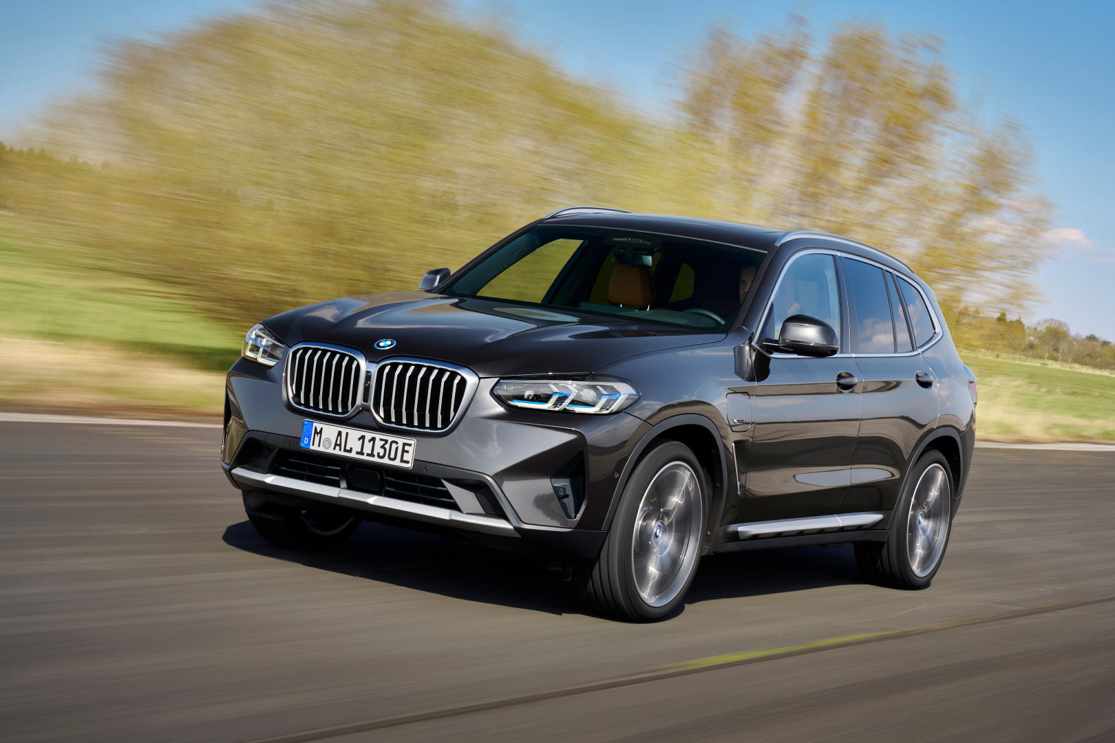 SMALL_P90424690_highRes_the-new-bmw-x3-xdriv