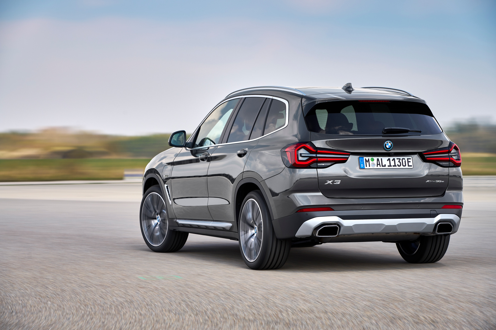 SMALL_P90424694_highRes_the-new-bmw-x3-xdriv