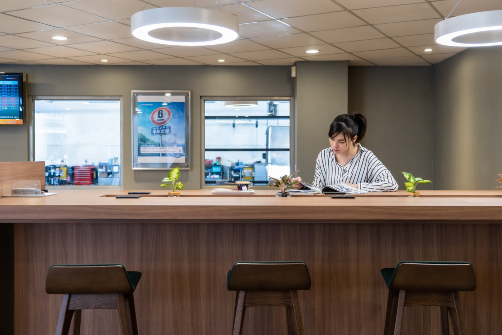 SMALL_【圖七】Ford福彰汽車員林據點全新升級的客休區打造明亮與舒適的休憩空間