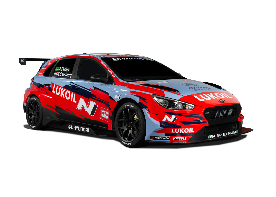 SMALL_WTCR_i30N_TCR_BRC Hyundai N Lukoil Racing Team_Front_three_quarter