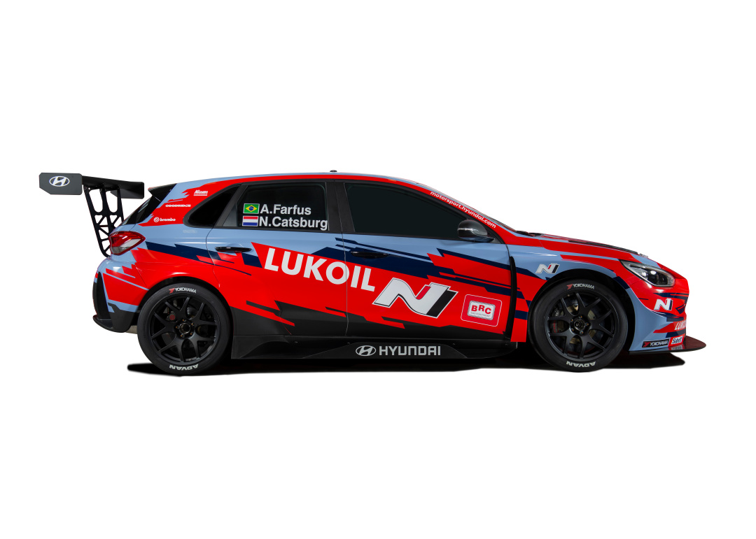 SMALL_WTCR_i30N_TCR_BRC Hyundai N Lukoil Racing Team_Side_view