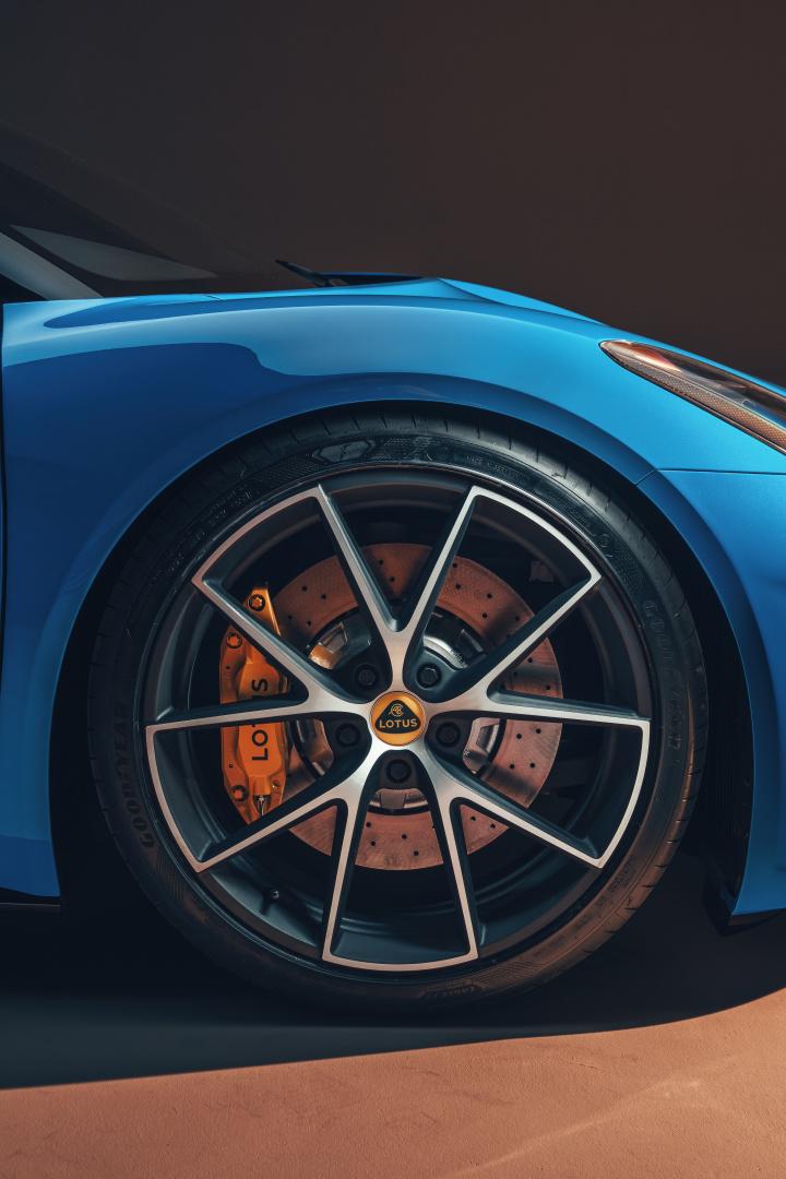 SMALL_Lotus-Emira-Front-Wheel-Detail