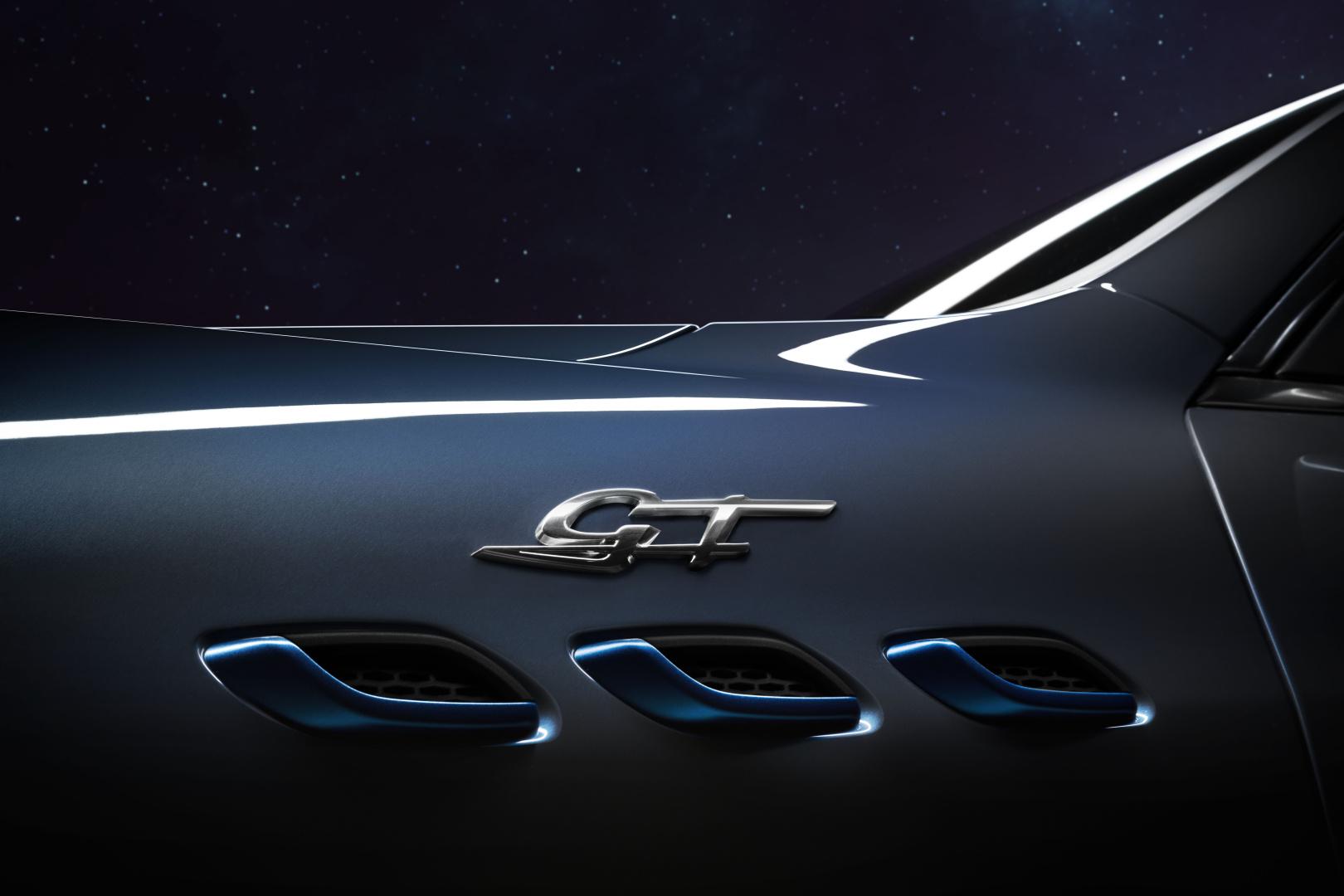 SMALL_17918-MaseratiLevanteHybrid