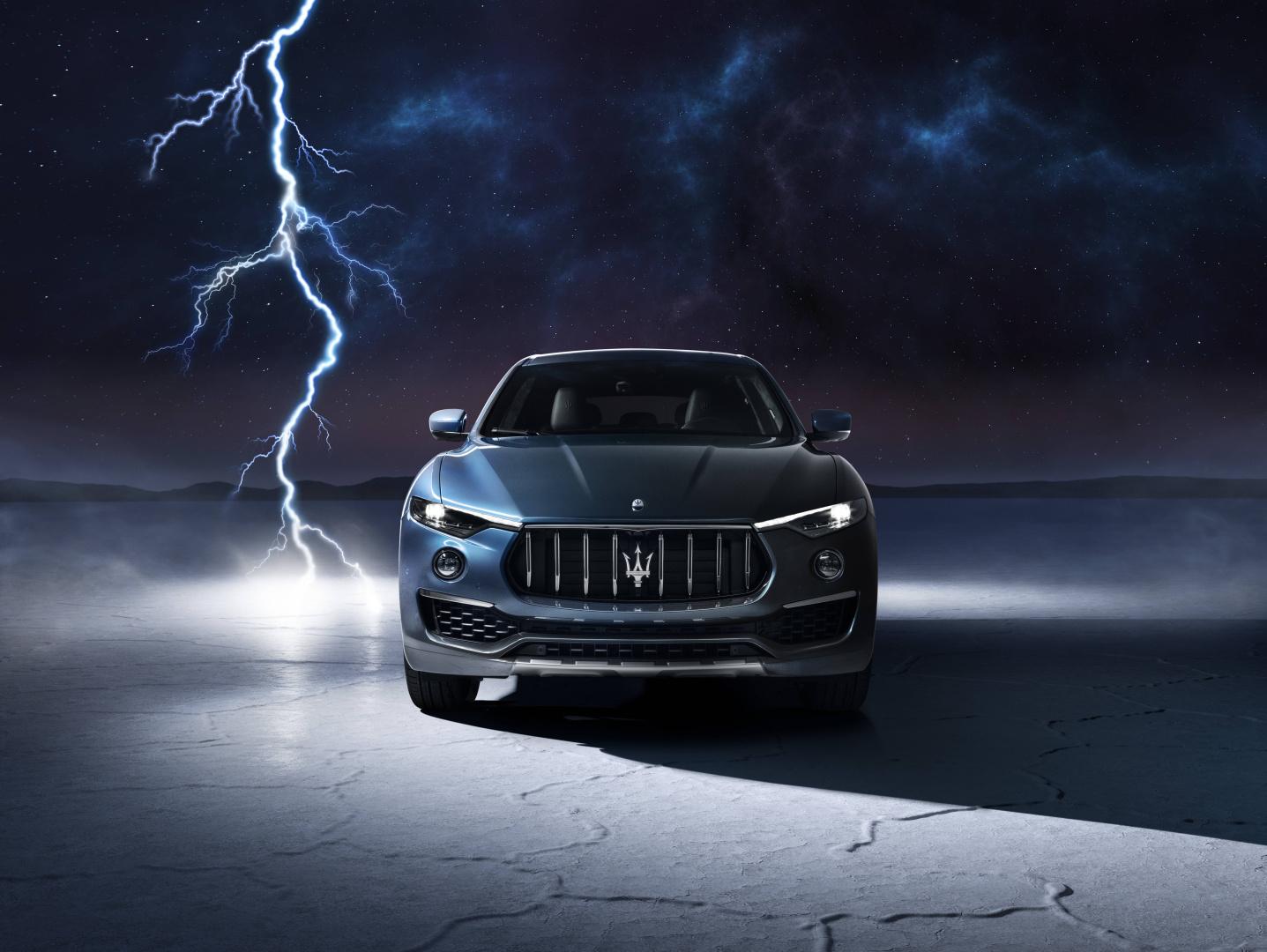 SMALL_17925-MaseratiLevanteHybrid