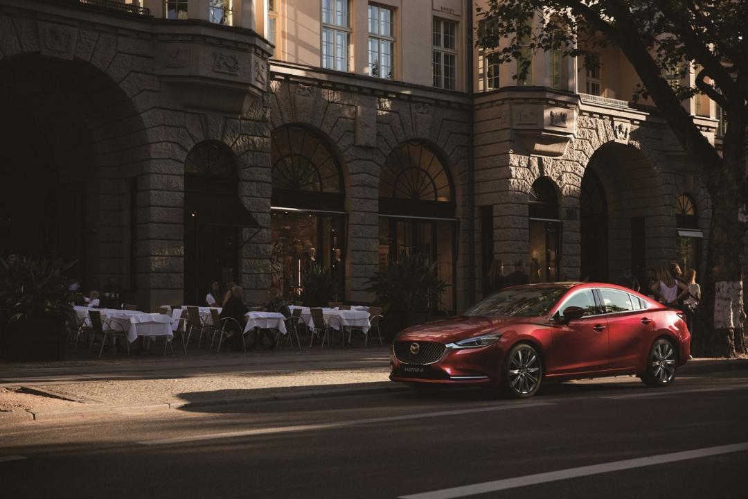 SMALL_圖三:2020年式Mazda6提供更完善的i-Activsense主動安全科技,全車系標配MRCC全速域主動車距控制巡航系統、360°環景輔助系統以及DAA駕駛疲勞警示系統