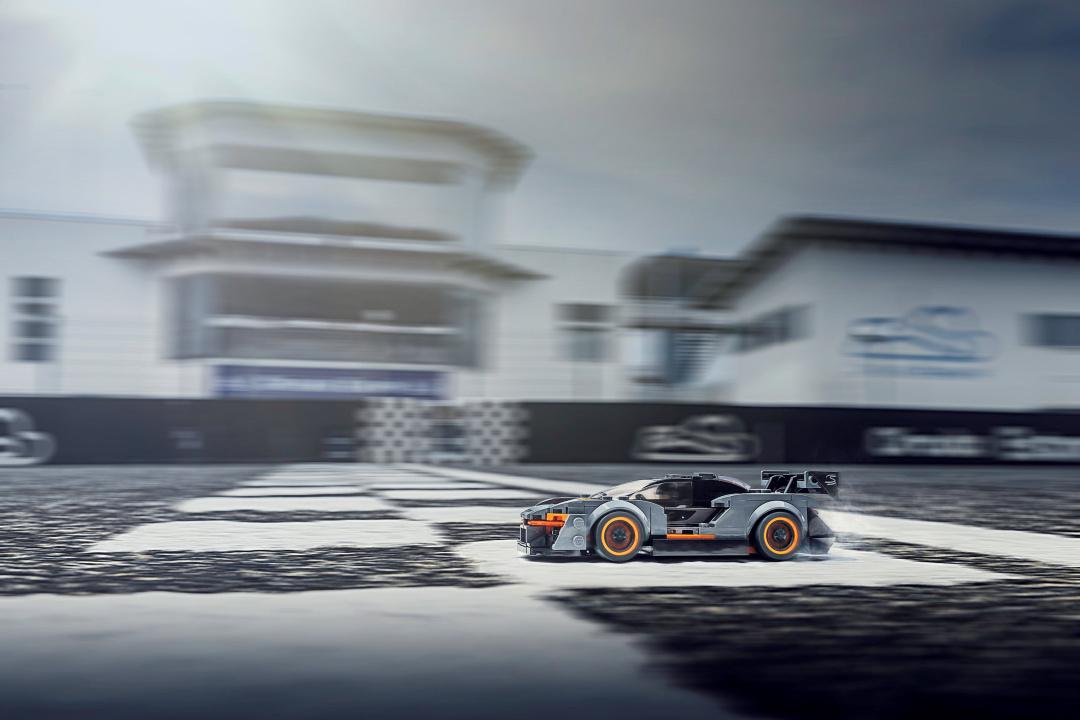 SMALL_10331-McLarenSennaLEGO