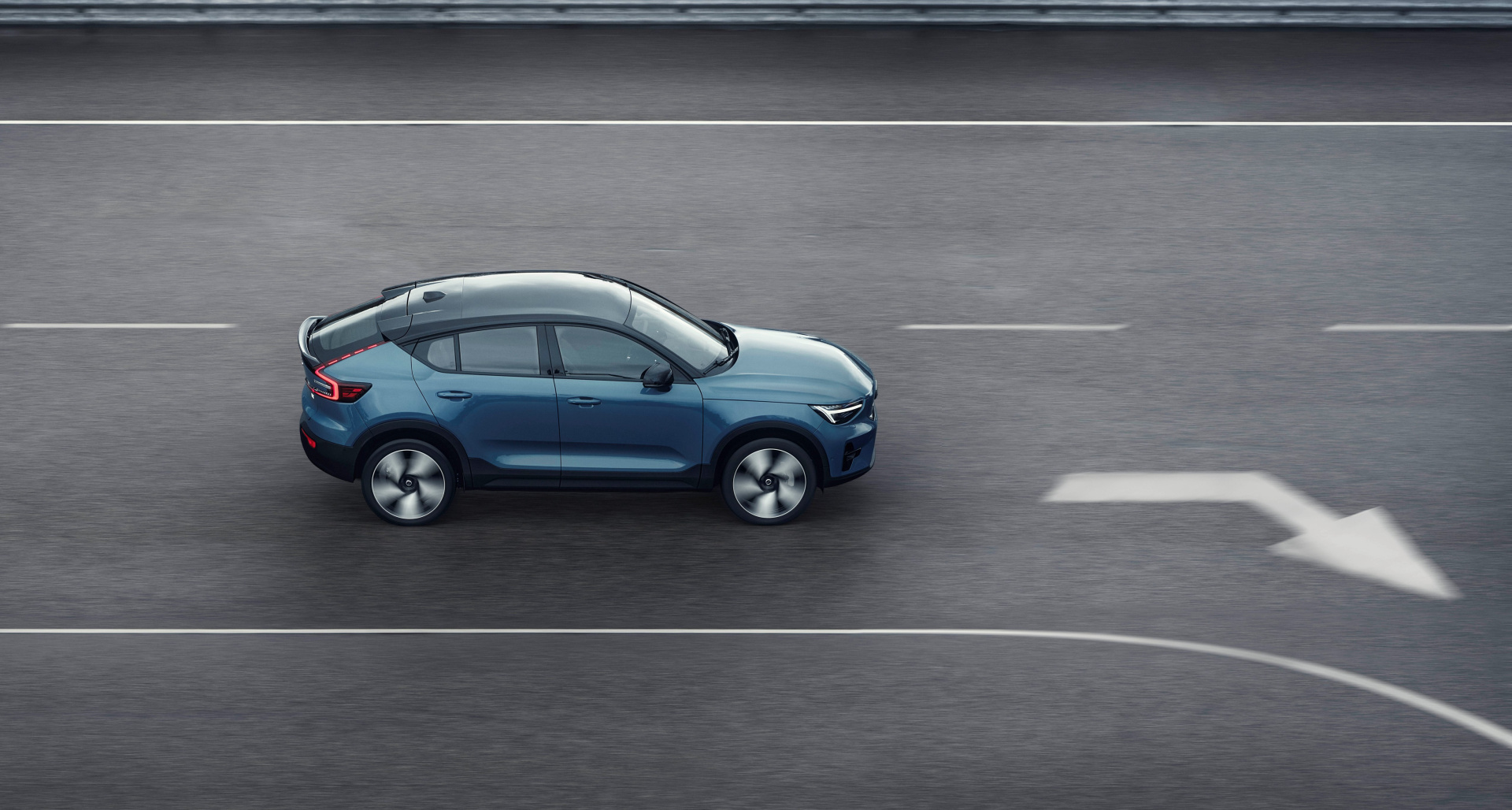 SMALL_277630_Volvo_C40_Recharge